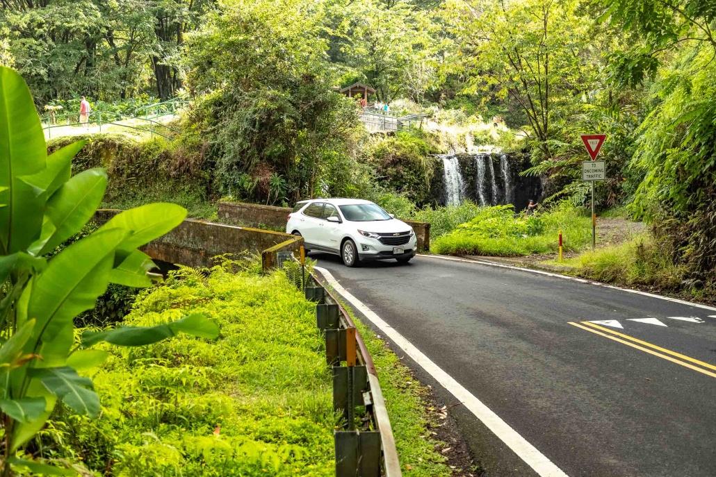 Puua Kaa Wayside Park Bidge car and Waterfall Road to Hana Maui