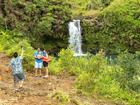 Puua Kaa Wayside Park Guide Photographing Visitors Road to Hana Maui