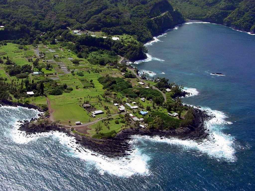 Temptation Tours Aerial of Keanae